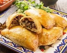 Mexican beef empanadas are tasty stuffed pastry pockets you can eat any time of the day. You can even serve them as appetizers for your dinner party. Beef Recipes For Dinner, Mexican Food Recipes, New Recipes, Cooking Recipes, Favorite Recipes, Mexican Cooking, Beef Dishes, Food Dishes, Main Dishes