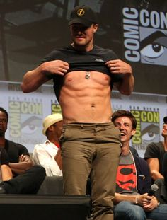 Pin for Later: Announcing the 2014 Shirtless Bracket Winners! Stephen Amell