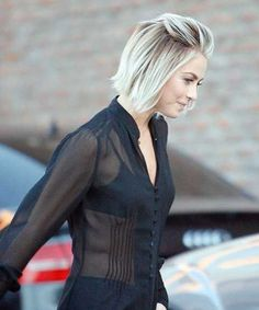 Are you starting to get bored with long hair? Why don't you try the short blonde bob hairstyles? It is really fantastic short blonde hairstyles look and. Blonde Bob Hairstyles, Hairstyles Haircuts, Cool Hairstyles, Short Haircuts, Haircut Short, Medium Hairstyles, Short Hair Cuts For Women, Short Hair Styles, Short Blonde Bobs