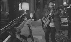 Ha pasado poco más de un mes desde que A Moon Shaped Pool, el noveno trabajo de estudio deRadiohead saliera a la venta y ya ha alcanzado niveles de éxito que ni el mismo Thom Yorke imaginó que tendría.