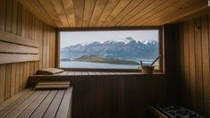 There is nothing better than a steamy sauna after a day on the slopes. However, not all saunas are created equal. Spa Luxe, Sauna House, Health Retreat, Yoga Retreat, Outdoor Sauna, Sauna Design, Natural Swimming Pools, Natural Pools, Pool Designs