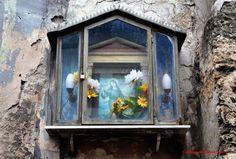 Le edicole votive a Palermo Palermo, Spiritus, Cemetery, Frame, Painting, Home Decor, Design, Art, Saints
