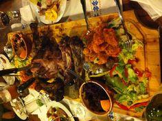 xmas dinner ideas – This christmas ideas strategies was distribute at UTC by … Vegetarian Christmas Dinner, Easy Christmas Dinner, Holiday Dinner, Pre Christmas, Christmas Ideas, Dinner Party Menu, Dessert For Dinner, Dinner Ideas, Dinner Table