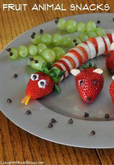 Fruit Animal Snacks so easy kids love making them! Fruit Animal Snacks so easy kids love making them! Animal Snacks, Fruit Animals, Easy To Make Snacks, Healthy Snacks For Kids, Snacks Kids, Summer Snacks, Peanut Butter Cheerio Bars, Kreative Snacks, Food Art For Kids