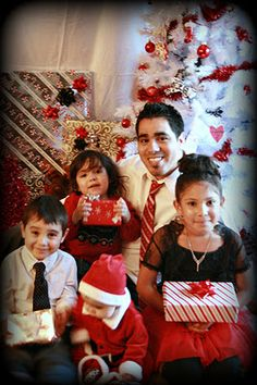 Christmas 2011--kids with daddy