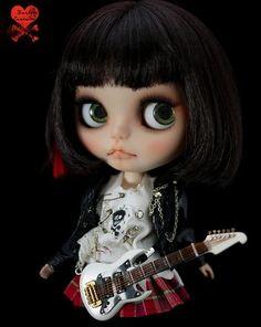 Blythe customizada modelo Punkaholic,