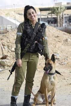 """""""A is a soldier's best These canines are trained to guard bases & identify explosives"""" Military Working Dogs, Military Dogs, Military Girl, Idf Women, Military Women, Israeli Girls, War Dogs, Brave Women, Female Soldier"""