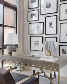 7 Cool Office Designs Based On The Success Feng Shui Principle – Modern Home Office Design Interior Design Minimalist, Office Interior Design, Office Interiors, Office Designs, Art Interiors, Workspace Design, Feng Shui Interior Design, Interior Livingroom, Modern Interior