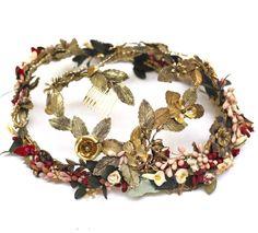 Corona con piedras y abalorios de Suma Cruz. Foto, Suma Cruz