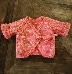 Et voilà le résultat !!! Veste cache-coeur en pure laine bio from #Lisboa #retrosariarosapomar #knitting #zagal #wool #diy #proudofmyself