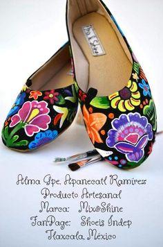 #Flats #Zapatos #Pintadoamano #Mix&Shine #Tehuana  Facebook: Shoeis Indep