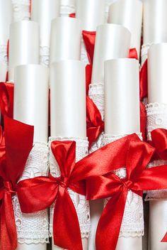Свитки с приглашение на свадьбу в День святого Валентина!  #Wedding, #invitation Paper Art, Gift Wrapping, Gifts, Gift Wrapping Paper, Papercraft, Presents, Wrapping Gifts, Favors, Gift Packaging