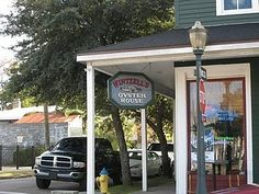 Wintzell's Oyster House, Mobile, Alabama