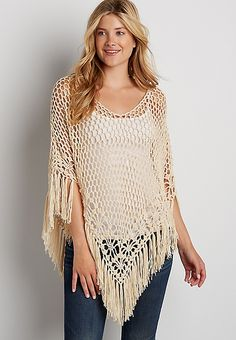 poncho with fringe Crochet Poncho Patterns, Crochet Motif, Free Crochet, Knit Crochet, Knitting Patterns, Crochet Capas, Crochet Cover Up, Crochet Shirt, Crochet Woman