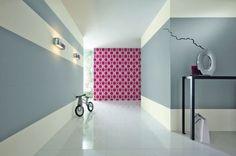 Coloring - Rasch New Beats wallpaper in the hallway - Wallpaper Ideas Hallway Wallpaper, Paintable Wallpaper, Hallway Walls, Room Ideas Bedroom, Room Decor, Wall Decor, Design Exterior, Interior Design, Half Painted Walls
