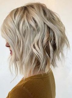 Best Short Bob Textured Haircuts for Girls in Year 2020 | Voguetypes Bob Haircuts 2017, Best Bob Haircuts, Girl Haircuts, Hairstyles Haircuts, Short Hair Cuts For Women, Girl Short Hair, Short Hairstyles For Women, Short Hair Trends, Short Hair Styles