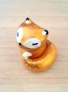 """Totem de poche """"Mon trésor"""" renard doré oMamaWolf figurine en céramique : Art céramique par omamawolf"""