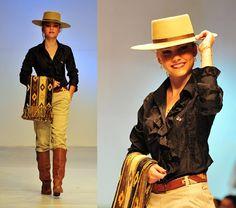 Female bombacha, boots, shirt and hat