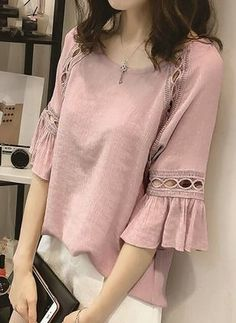 Boutique, looking so nice to see the outfit. Blouse Styles, Blouse Designs, Kurti Sleeves Design, Casual Outfits, Fashion Outfits, Fashion Ideas, Bell Sleeve Blouse, Western Dresses, Indian Designer Wear
