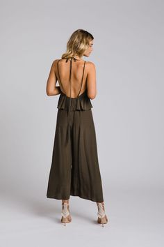 The Zoe jumpsuit by Leave Her Wilder. Bridesmaid gowns available online and ship. - The Zoe jumpsuit by Leave Her Wilder. Bridesmaid gowns available online and ship internationally Source by - Smock Dress, Tee Dress, Collar Dress, Belted Dress, Chiffon Dress, Bridesmaid Gowns, Elegant Dresses, Jumpsuit, Ship