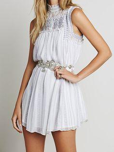 Vestido cuello mao encaje plisado -blanco