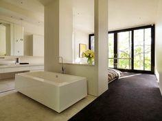 http://aviacat.com/wp-content/uploads/2017/02/clued-in-schlafzimmer-mit-badezimmer-robert-mills-master-badewanne-offen.jpg