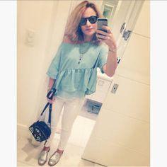 Dujour - BiancaCoimbra is wearing Farm Shoes, Zara Bag, Farm Pants, Zara Blouse and Evoke Glasses
