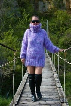 Red T, Mohair Sweater, Gorgeous Men, Beautiful, Sweater Outfits, Knit Dress, Hand Knitting, Vintage Ladies, Turtle Neck
