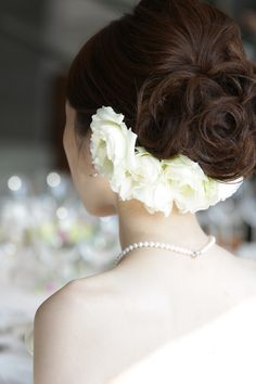 伝わる、ということ 新郎新婦様からのメール 椿山荘様へ : 一会 ウエディングの花 Flower Headpiece, Headpiece Wedding, Dress Hairstyles, Bride Hairstyles, Bridal Hair And Makeup, Hair Makeup, Wedding Guest Hairstyles, Hair Arrange, Hair Setting