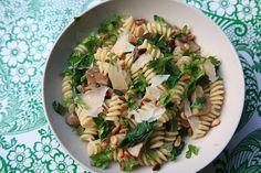 Pasta met spinazie, pijnboompitten en champignons door Mme ZsaZsa