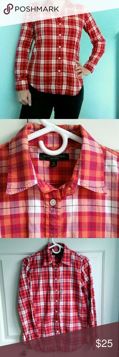 Banana Republic Soft Wash Orange Plaid Shirt S This is a gorgeous, long sleeve, button down, soft wash, 100% cotton, plaid shirt by Banana Republic in size s small. It's perfect for fall, with orange, white, cranberry red, and thin dark blue/black lines. The beautiful colors are hard to capture on camera, but are closest to the last picture of the sleeve. It is used, but in good condition! Any signs of wear may be seen by the photos. Offers welcome. Thanks for looking! ☺ Banana Republic Tops…