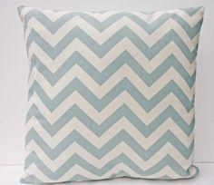 chevron print cushion....want