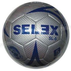 Selex SL5 Yapıştırma 5 No Futbol Topu - Topun boyutu: 5 No (12 yaş ve üzeri)  Yüzeyi: Kompozit deri  Ağırlığı: 435 gr  Kullanım alanları: Her zeminde, kullanıma uygun  Federasyon onayı: Yok  Diğer özellikleri: Yapıştırma, 32 parça, gri-mavi renkte futbol topu  Satın alacağınız topların sibobunuvazelinile kayganlaştırarak ve mutlakatop iğnesikullanarak şişiriniz.  Topu kullanmadan şişik vaziyette 24 saat bekletiniz.  Sibobundan iğne girmeyen veya 24 saat içinde inen topları iade…