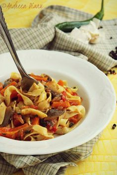 Yummy Food, Delicious Recipes, Pasta Salad, Food And Drink, Ethnic Recipes, Tagliatelle, Crab Pasta Salad, Delicious Food