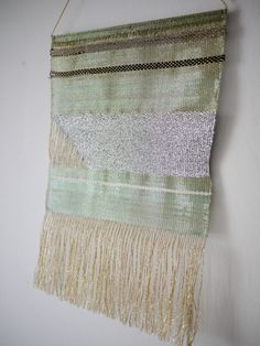 Justine Ashbee is a mesmerizing collection of geometric lines, shimmering metals, and new animistic forms in woven precious metals, golds, and. Objet Deco Design, Woven Wall Hanging, Traditional Art, New Trends, Decoration, Textile Art, Fiber Art, Weaving, Delicate