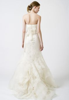 Wedding Dresses, Bridal Gowns by Vera Wang | Classics | Fawn     Stunning back detial. love it
