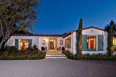STATS 8 BEDROOMS 5 BATHS 3 Half BATHS 7,500 SQ. FT. $9 MILLION Pedigree: Paul Revere Williams, a legendary architect who made his name designing homes for Hollywood stars, conceived this Spanish Colonial Revival home in 1929 for glass tycoon William Ford.