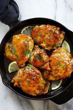 Spicy Honey-Glazed Chicken - the best skillet chicken dinner ever, in a spicy and sweet honey glaze. Takes 20 mins to make | rasamalaysia.com