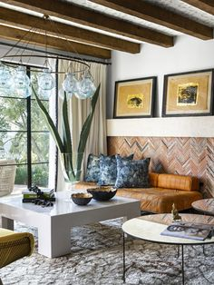 Amazing brick work in a Mediterranean home Mediterranean Living Rooms, Mediterranean Decor, Spanish Revival Home, Spanish Colonial, Spanish Style, Living Room Decor, Living Spaces, Interiors Magazine, Decoration
