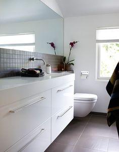↗️ 56 Sample Bathroom Vanities and Sinks Ideas 6116 Grey Bathrooms, Modern Bathroom, Small Bathroom, Bathroom Ideas, Bathroom Vanities, Bathroom Remodeling, Sinks, Bathroom Splashback, Floating Cabinets