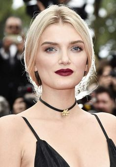 Model Lily Donaldson attends the 'Cafe Society' premiere and the Opening Night Gala during the annual Cannes Film Festival at the Palais des. Lily Donaldson, Hollywood Glamour, Old Hollywood, Classic Hollywood, Jessica Rabbit, Kirsten Dunst, Jessica Chastain, Slick Hairstyles, Diy Hairstyles