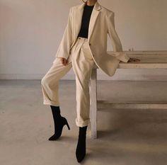 corduroy over jacket ivory Mode Outfits, Retro Outfits, Cute Casual Outfits, Chic Outfits, Fall Outfits, Fashion Outfits, Fashion Hacks, Fashion Tips, Suit Fashion