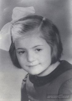 Liliane Frydman 1942