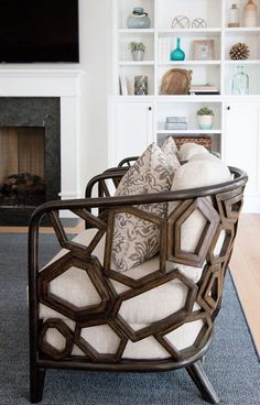 6 Stunning Designer Chairs For Living Rooms / chair design, modern chairs, living room chairs #chairdesign #designerchairs #livingroomchairs For more inspiration, read our article right here: http://modernchairs.eu/stunning-designer-chairs-living-rooms/