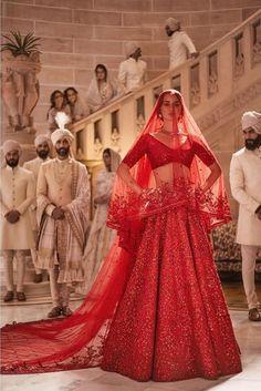 48 ideas sabyasachi bridal lehenga indian weddings for 2019 Sabyasachi Lehenga Bridal, Indian Bridal Lehenga, Indian Bridal Outfits, Indian Designer Outfits, Pakistani Bridal, Indian Dresses, Lehenga Choli, Bridal Dresses, Bridal Red Lehenga