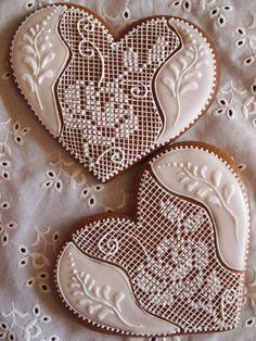 Lawendowa Pasieka Cookies Cupcake, Lace Cookies, Flower Cookies, Heart Cookies, Royal Icing Cookies, Christmas Sugar Cookies, Valentine Cookies, Easter Cookies, Holiday Cookies