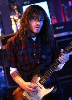 John Frusciante http://www.lastfm.es/music/John+Frusciante