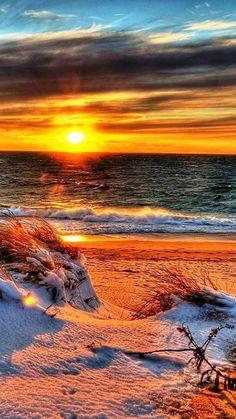 Sunset am Strand Beautiful Sunrise, Beautiful Beaches, Beautiful Landscapes, Beautiful Images, Simply Beautiful, Beautiful Scenery, Foto Picture, Beach Landscape, Belle Photo