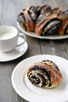 Mohnschnecken - My most creative finger food list Tasty Bakery, Polish Recipes, Polish Food, Blueberry Cheesecake, Food Lists, Coffee Cake, Finger Foods, Baked Goods, Sweet Recipes