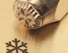 ImpressArt Metal Design Stamp,  6mm LARGE SNOWFLAKE  tol0068